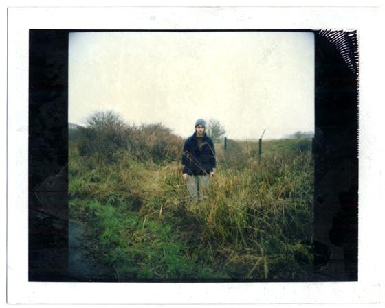 Tobias Asser Fotografie – Zelfportret in berm